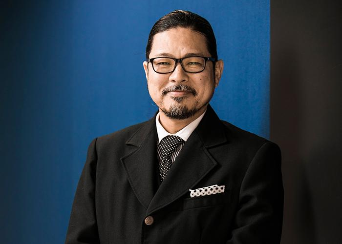 香蘭ファッション校長写真